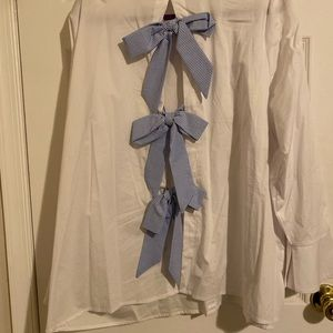 Dress shirt with bow detail